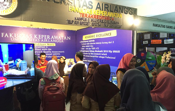 "Fakultas Keperawatan tema ""Learners Today, Be a Nurse Tomorrow"" dalam Airlangga Education Expo 2019"